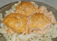 Тефтели с соусом из сметаны и томатной пасты