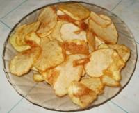 Картофельные чипсы жареные