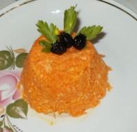 Салат из морковки с чесноком и сыром