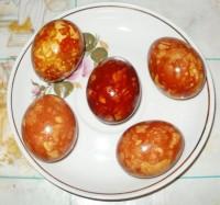 Яйца Мраморные крашеные луковой шелухой
