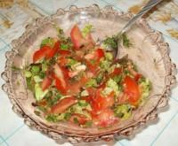 Салат из свежих помидор с зеленью