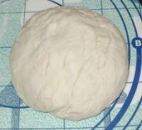 Пшеничное тесто пресное на минеральной воде