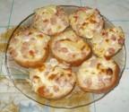 Горячие бутерброды с ветчиной ананасами и сыром
