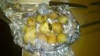 Картошка запеченная на углях