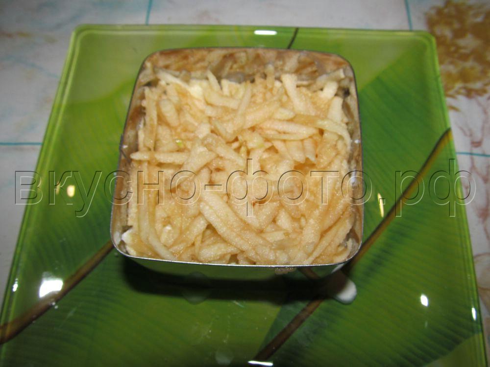 Салат с курицей яблоками и яйцами