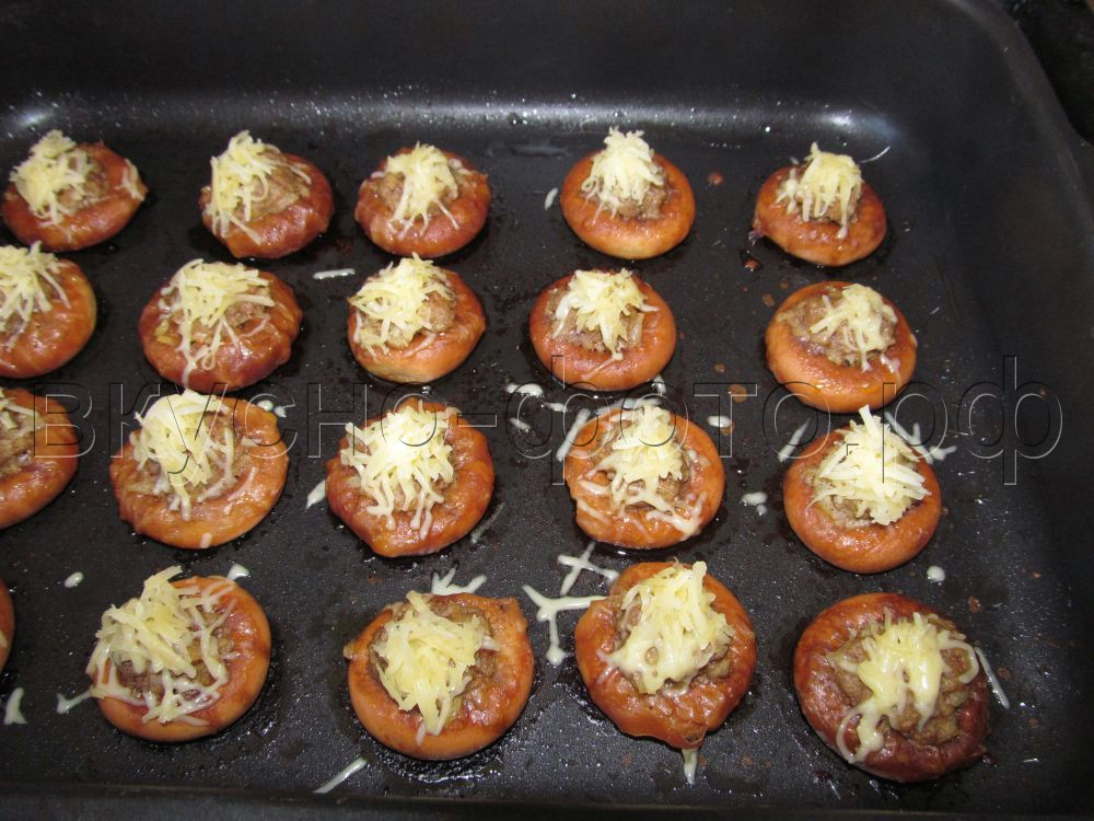 Сушки с мясом и сыром