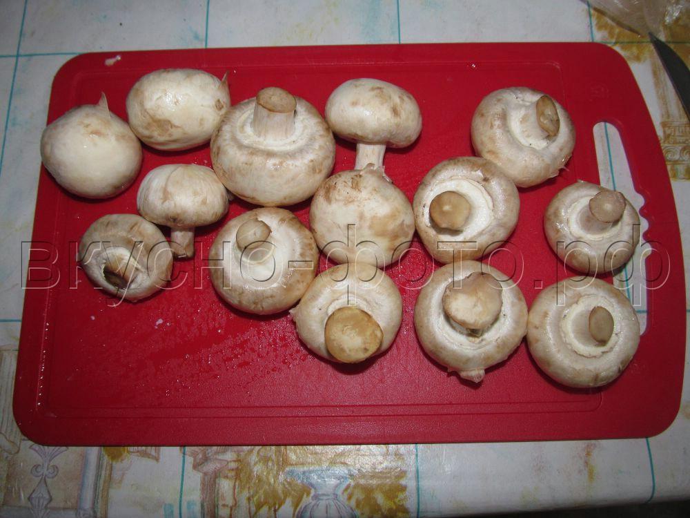 Медальоны из свинины под грибной шубой
