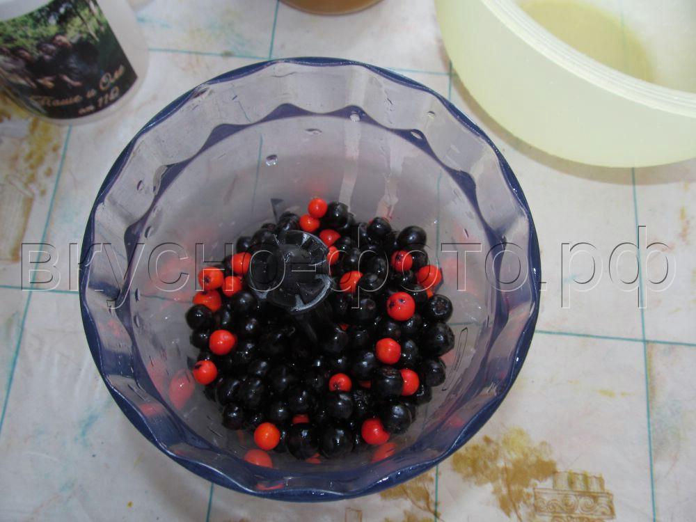 Морс из черноплодной рябины