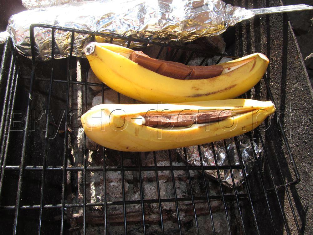 Бананы запеченные с шоколадом