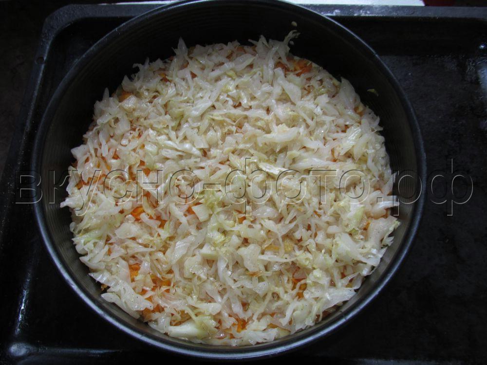 Заливной пирог с капустой и морковью