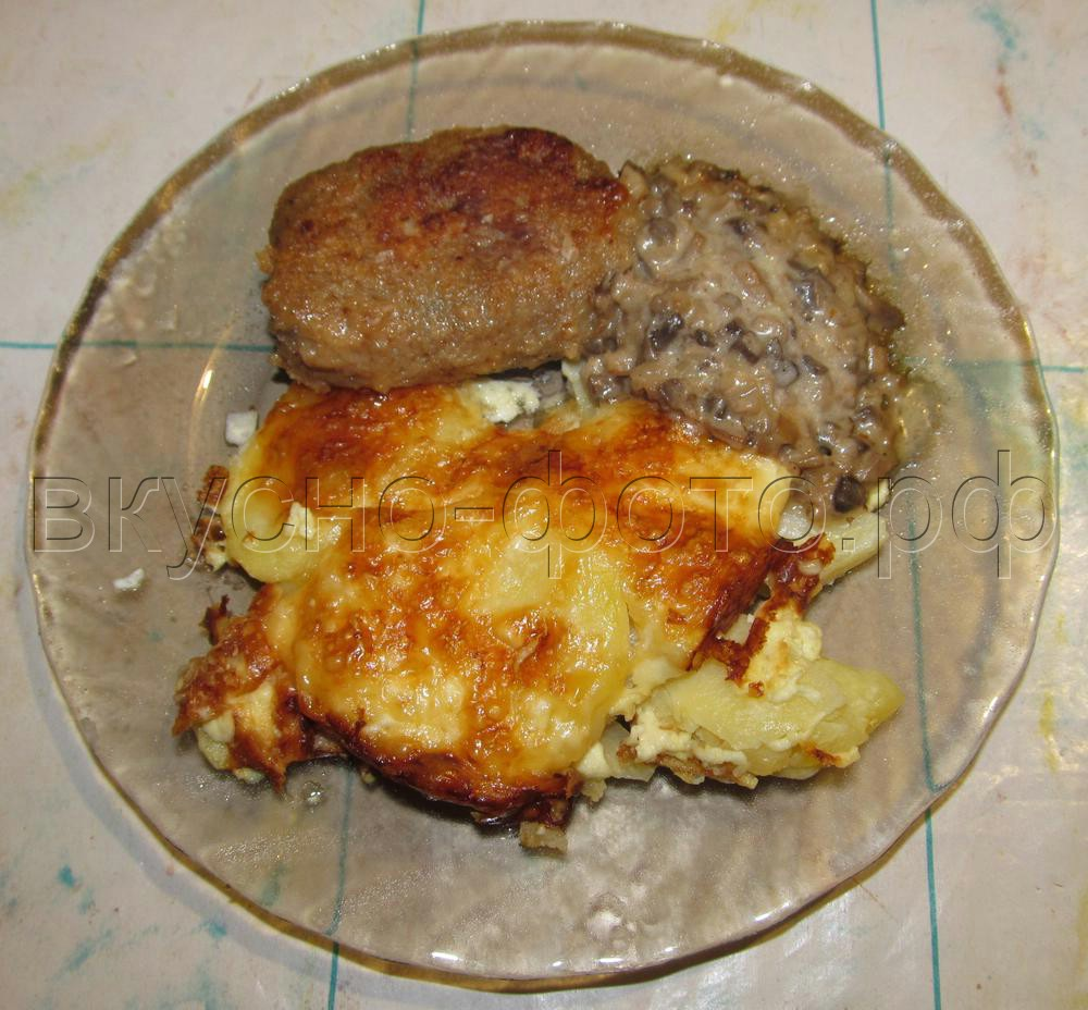 Картошка запеченная с сыром