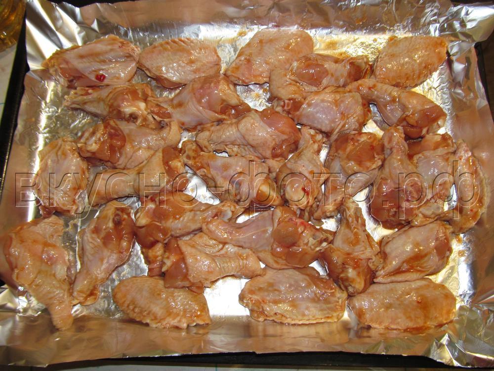 Крылышки в томатно соевом соусе