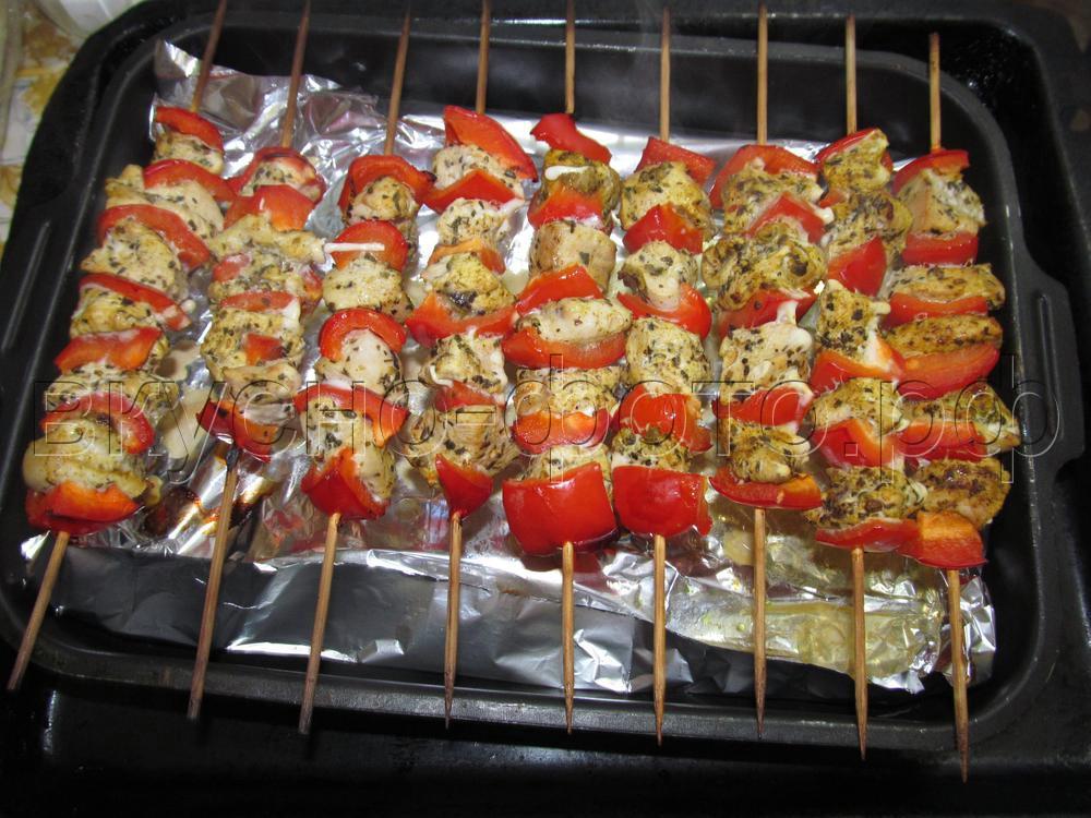 Шашлык в духовке из куриного филе с болгарским перцем