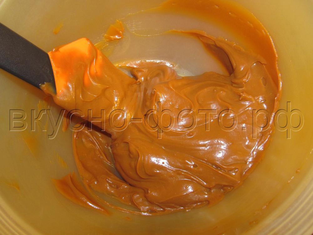 Крем из вареной сгущенки со сливочным маслом