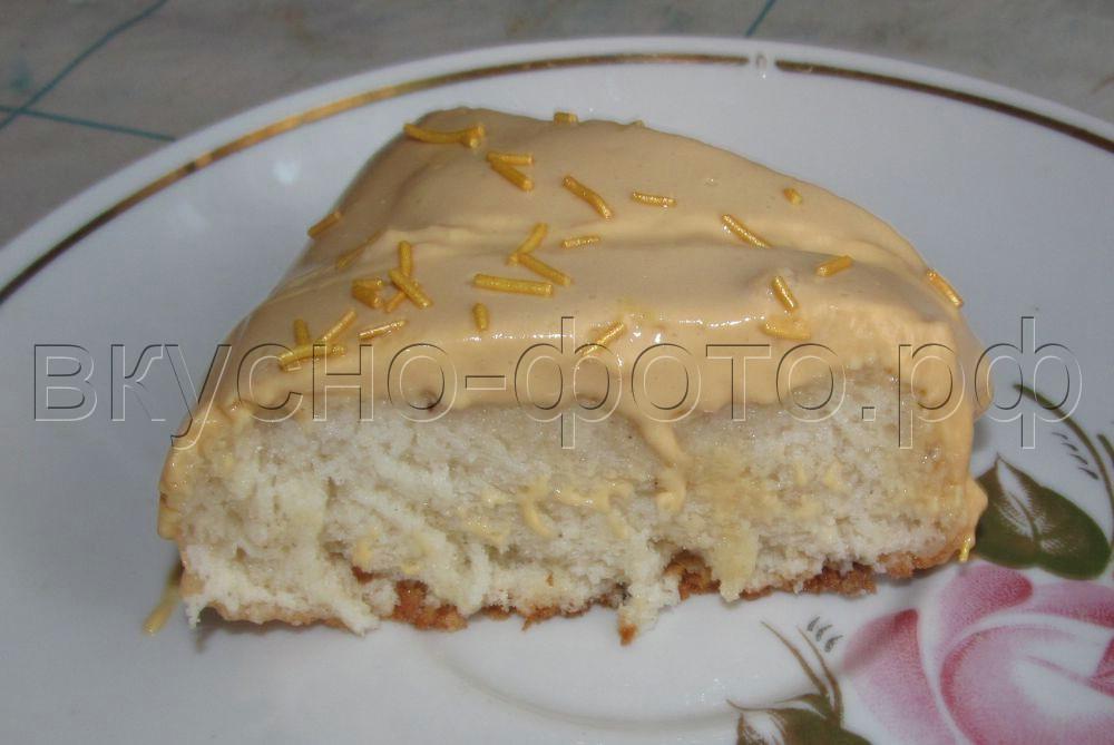 Ангельский бисквит с кремом из сметаны и вареной сгущенки