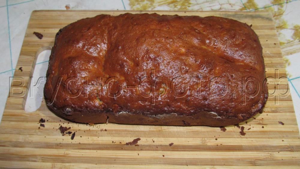 Кекс в хлебопечке с вяленым кумкватом и кизилом