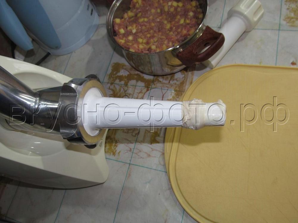 Домашняя колбаска с мясом и картошкой