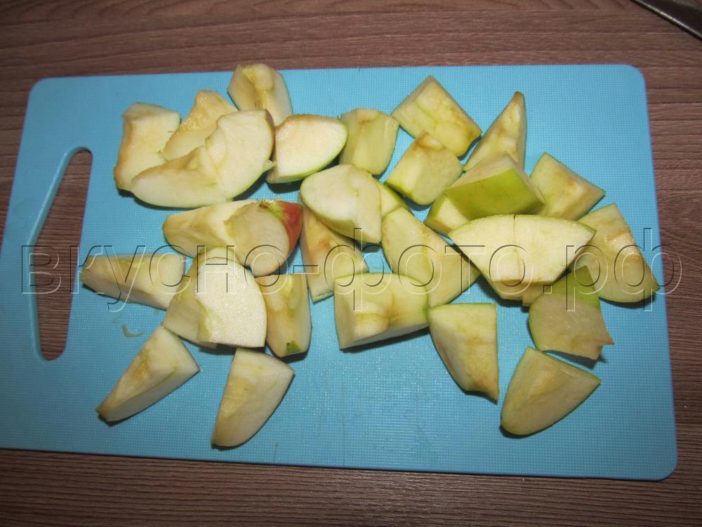 Компот из ревеня с яблоком