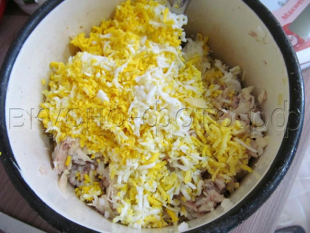 Салат из вареной курицы с рисом