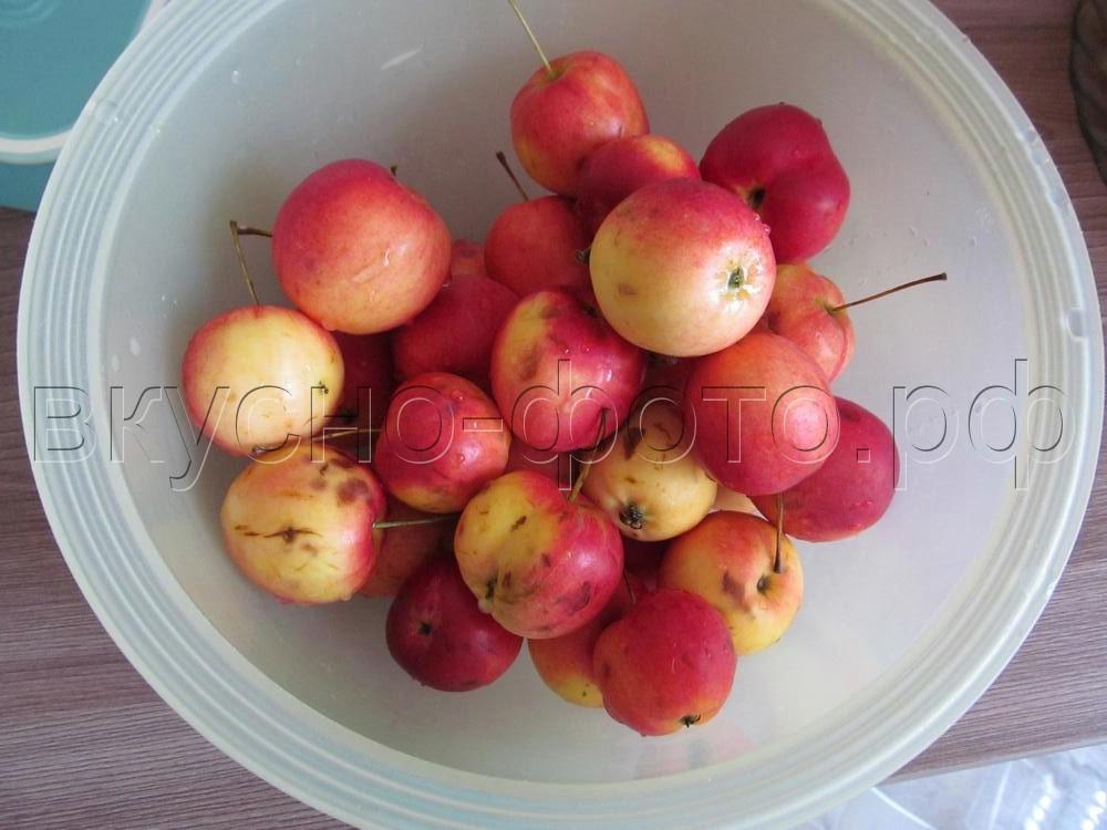 Варенье из ранеток или яблок с корицей и ванилью