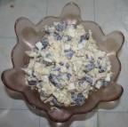 Салат из вареной курицы с фасолью яйцом и яблоком