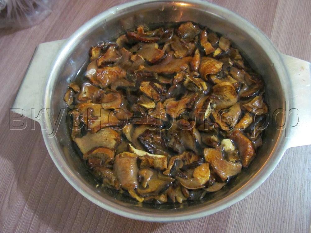 Подливка из сушеных грибов