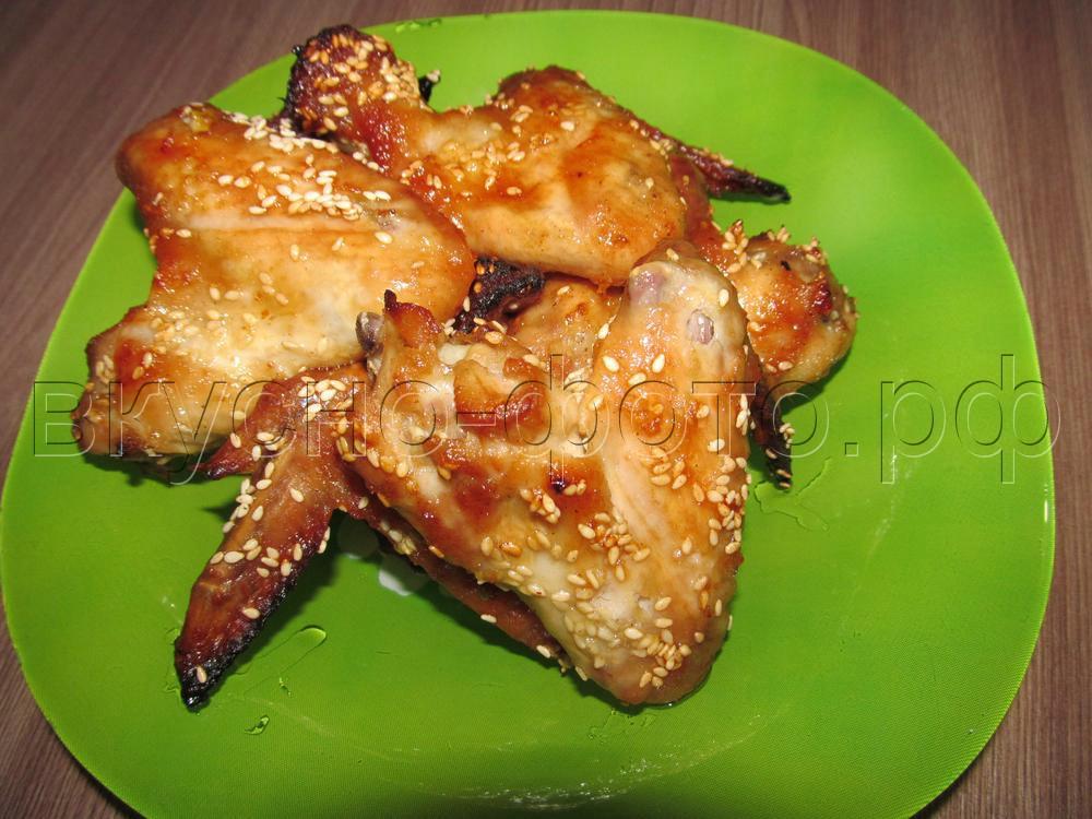 Куриные крылышки с имбирем и кунжутом