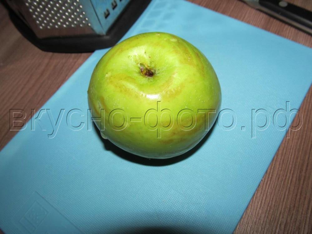 Яблочные оладьи с овсяной мукой