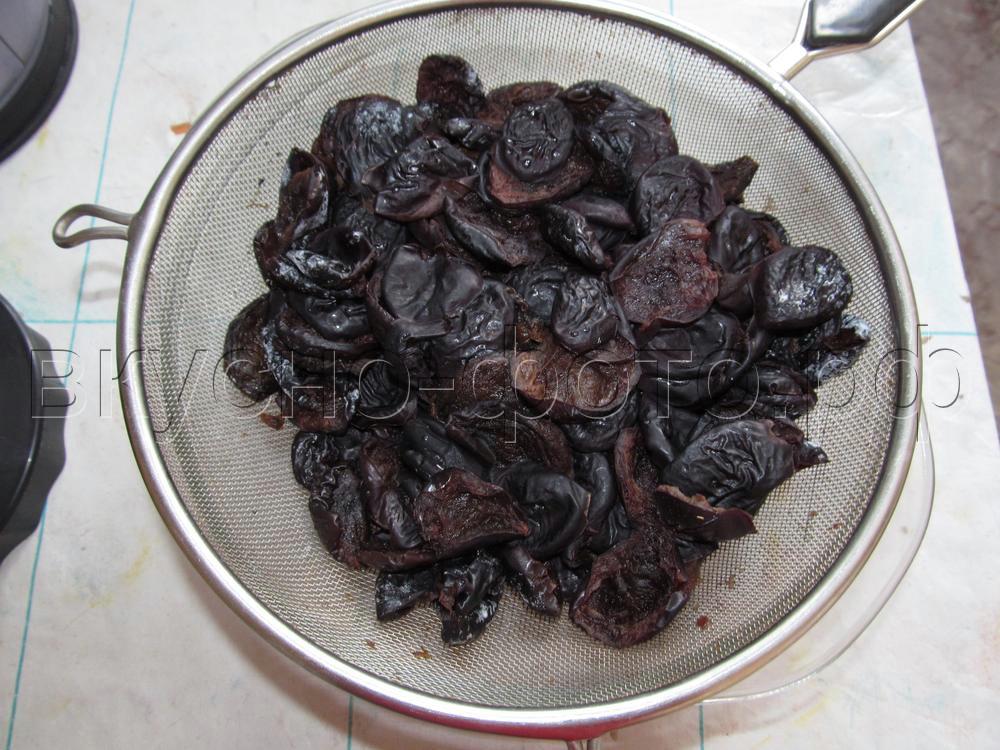 Постные конфеты из чернослива и орехов