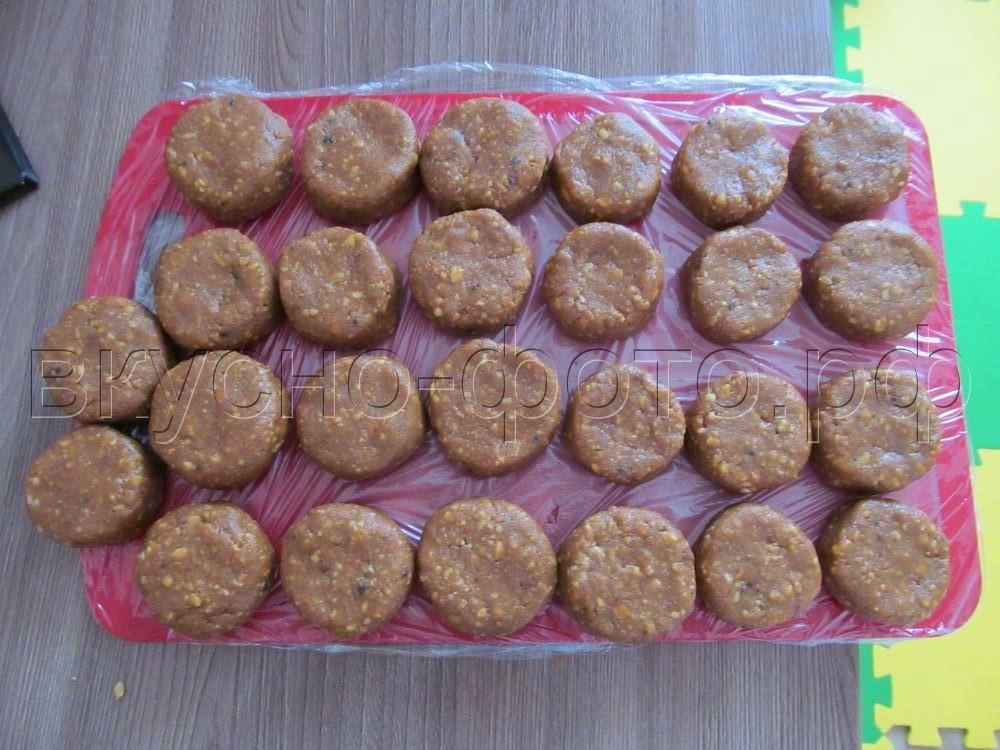 Домашние конфеты из печенья с бананом