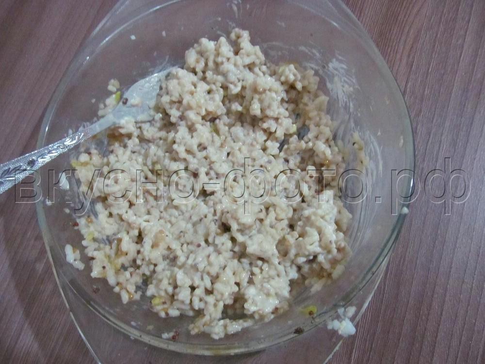 Рулет из лаваша с мясным фаршем и вареным рисом