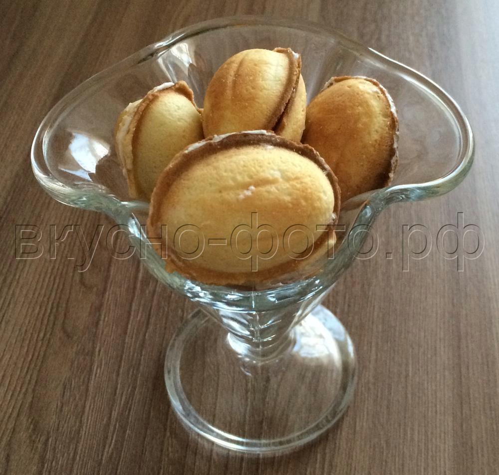 Орешки с начинкой птичье молоко