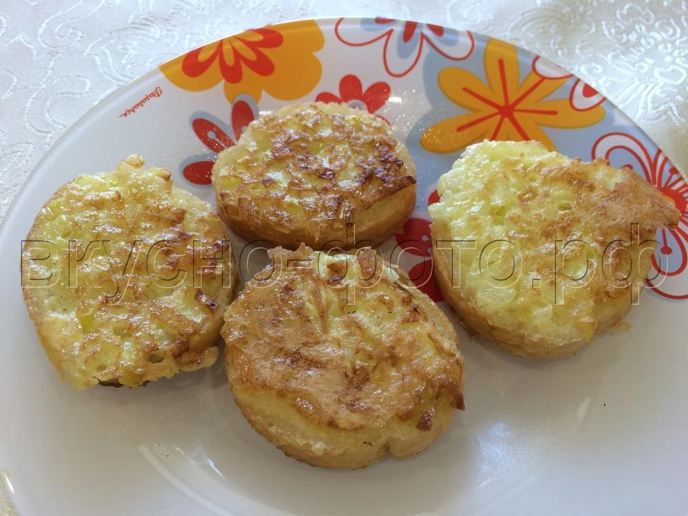 Горячие бутерброды с луком